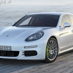 2014 Porsche Panamera 01