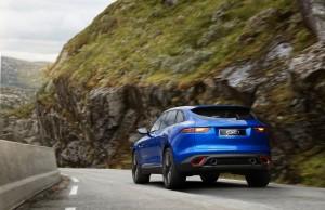 Jaguar CX17 Concept 07